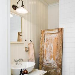 Salle de bain vintage 7 indispensables ooreka for Norme eclairage salle de bain