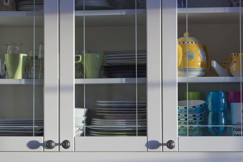 rangements pour assiettes ooreka. Black Bedroom Furniture Sets. Home Design Ideas