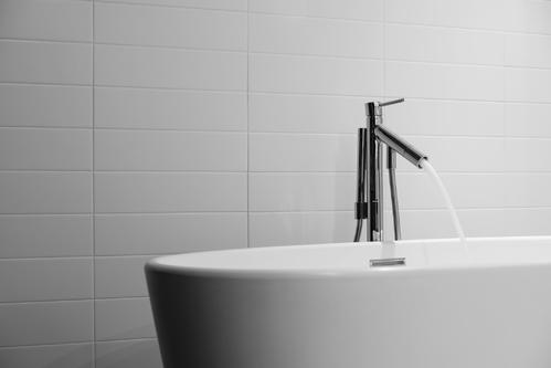 Robinet mitigeur pour baignoire prix et mod les ooreka for Baignoire classique prix