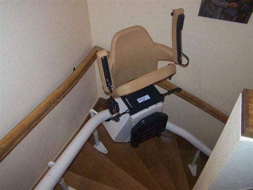 monte escalier infos et conseils sur le monte escaliers. Black Bedroom Furniture Sets. Home Design Ideas