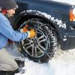 Monter des chaînes à neige