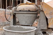 Betonniere charge ciment