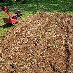 Motoculteur le sujet d crypt la loupe - Retourner la terre pour pelouse ...