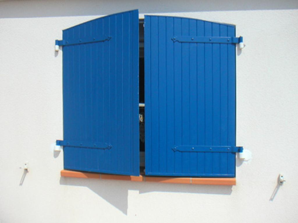 peinture bois exterieur infos conseils prix ooreka. Black Bedroom Furniture Sets. Home Design Ideas