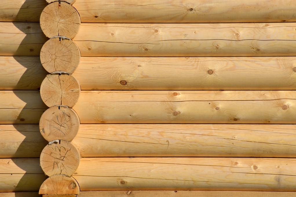 Mur en rondin de bois choix des essences r alisation - Rondin de bois castorama ...