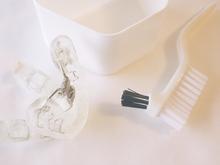 Orthese transparente fond blanc