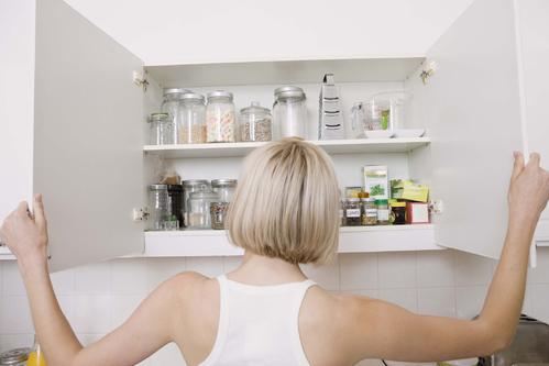 porte de placard battante mod les et installation ooreka. Black Bedroom Furniture Sets. Home Design Ideas