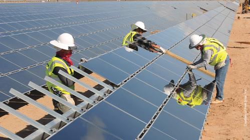 installateur panneau solaire bien choisir son installateur solaire. Black Bedroom Furniture Sets. Home Design Ideas