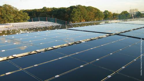 Panneaux photovoltaïques posés sur une toiture