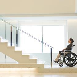 Pas de place pour un ascenseur pour handicapé : quelles solutions ?