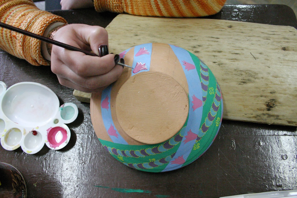 peinture pour c ramique sp cificit s et cuisson ooreka