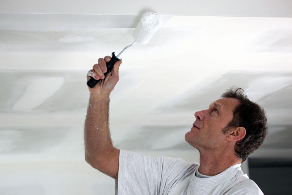 Peinture plafond cuisine sp cificit s application prix for Bonne peinture pour plafond