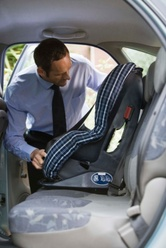 Installer un siège auto