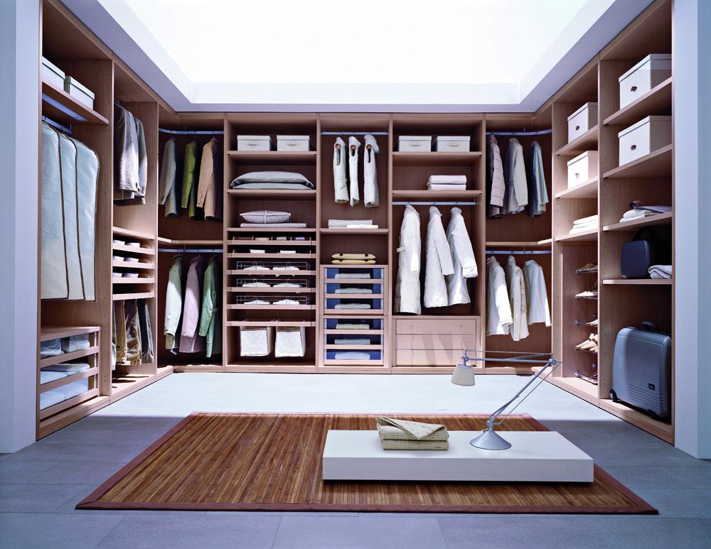 am nagement d 39 un dressing sur mesure chez soi ooreka. Black Bedroom Furniture Sets. Home Design Ideas
