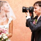 Marié photographie sa femme