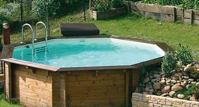 Installation piscine mode d 39 emploi et tapes ooreka for Ou acheter une piscine en bois