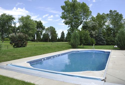 volet piscine solaire infos et prix du volet piscine solaire. Black Bedroom Furniture Sets. Home Design Ideas