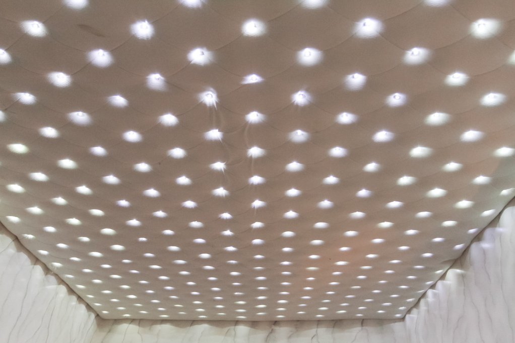 Panneau lumineux led principe usages installation ooreka - Plafond lumineux led ...