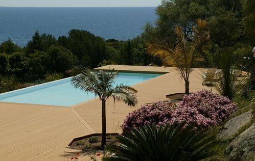photo terrasse plage de piscine en bois. Black Bedroom Furniture Sets. Home Design Ideas