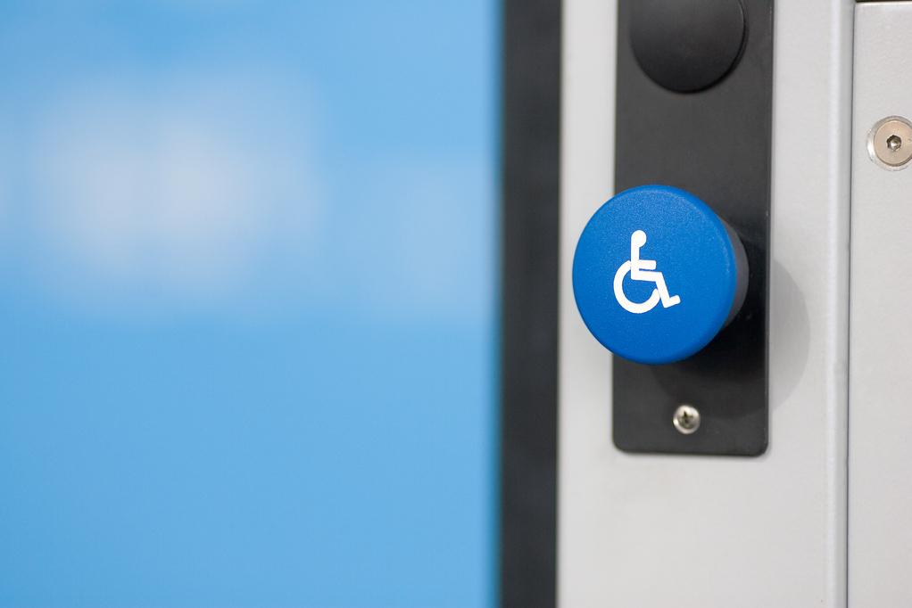 Poignées De Porte Adaptées Aux Personnes À Mobilité Réduite