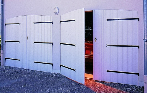 porte de garage en pvc ooreka. Black Bedroom Furniture Sets. Home Design Ideas