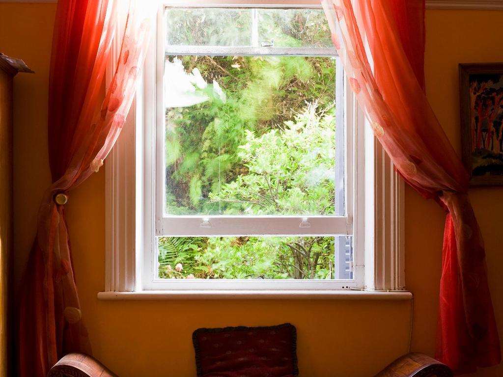 Appui de fenêtre  ses fonctions et caractéristiques ~ Appui De Fenetre Interieur En Bois