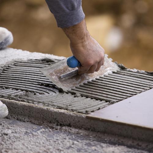 Préparer un sol pour le carreler