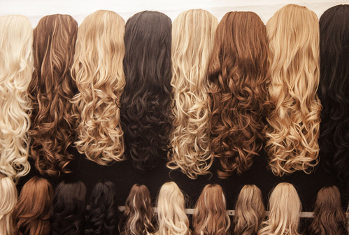 Postiche cheveux : caractéristiques, choix