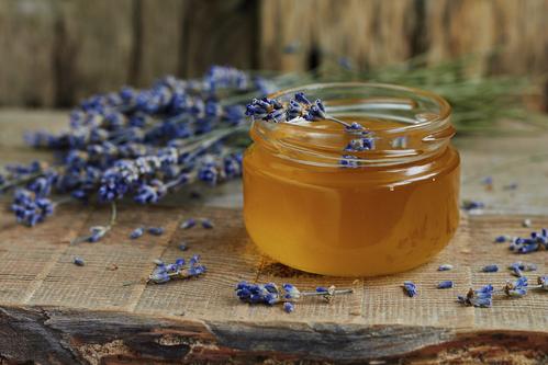 miel et toux lutter contre la toux gr ce au miel. Black Bedroom Furniture Sets. Home Design Ideas