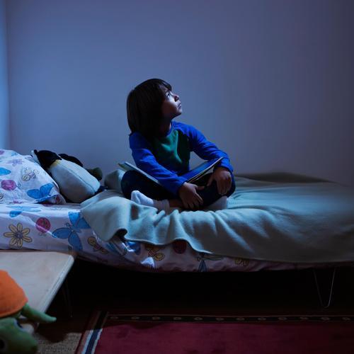 7 solutions pour vaincre votre peur du noir bien tre. Black Bedroom Furniture Sets. Home Design Ideas