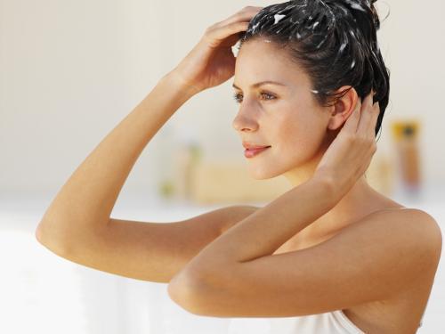 Vaseline et cheveux