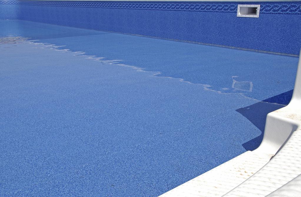 Piscines palette de couleurs pour votre liner for Liner blanc piscine