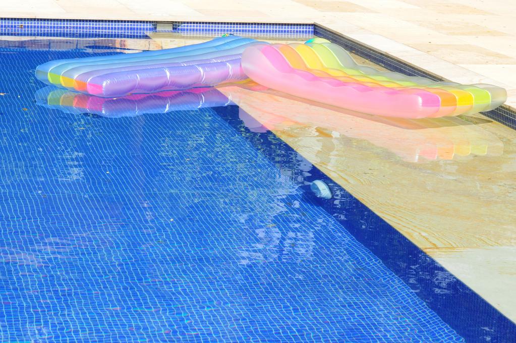 B che de piscine d t et b che d hivernage for Bache piscine ete