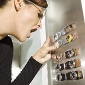 Que faire en cas d'ascenseur bloqué ?