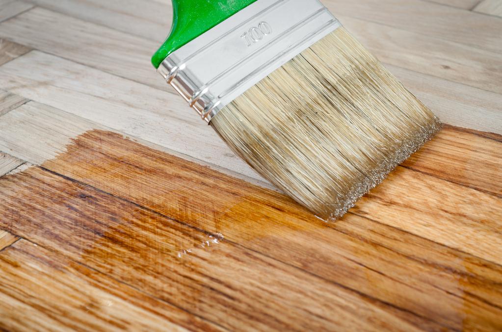 Comment faire une lasure effet vieilli avec de la peinture - Peindre un meuble en teck ...