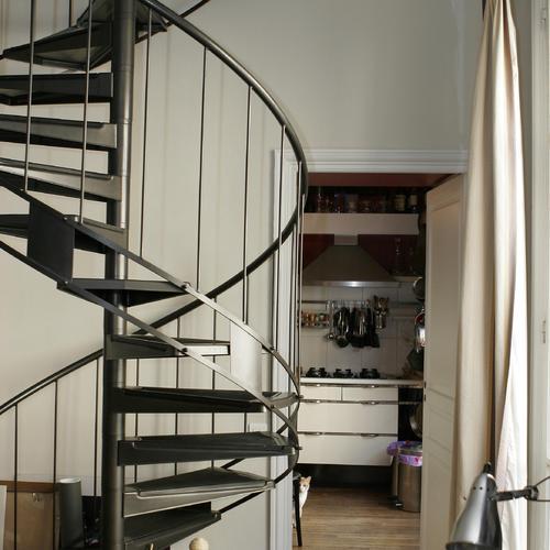 Escalier hélicoïdal en kit: un montage facile