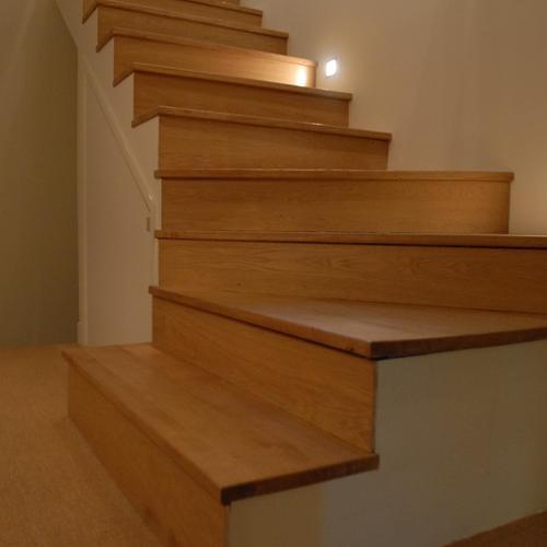 comment clairer un escalier sans se ruiner ooreka. Black Bedroom Furniture Sets. Home Design Ideas