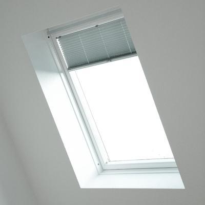 Fenêtres de combles: stores ou volets?