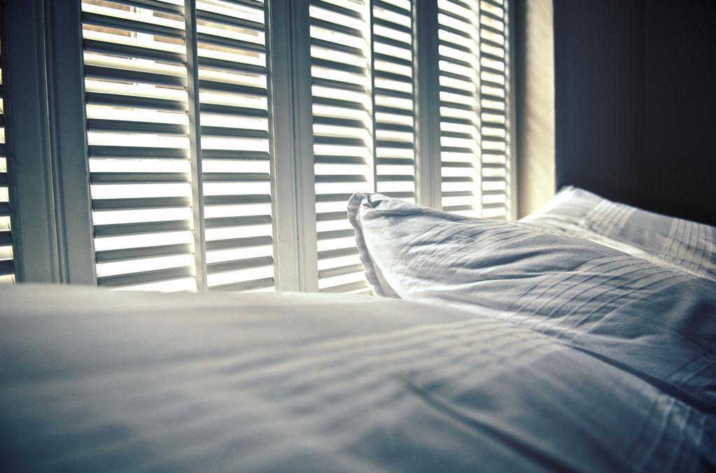 le lit gonflable un parfait lit d appoint. Black Bedroom Furniture Sets. Home Design Ideas
