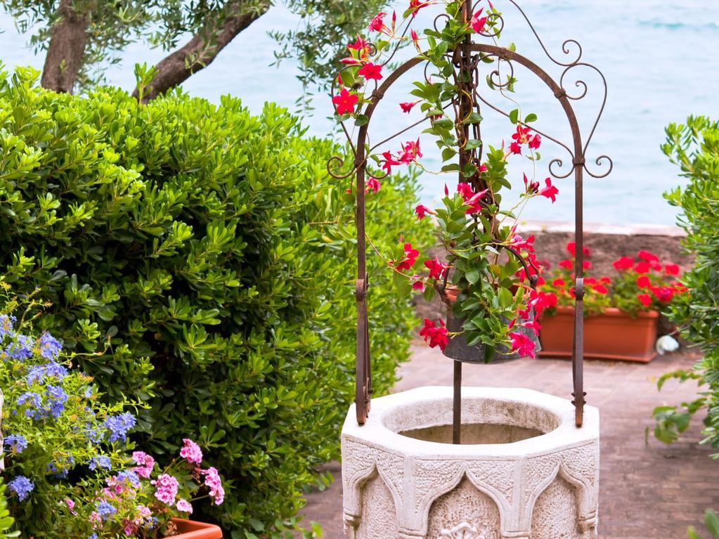 Puits Décoratif Pour Habiller Son Jardin