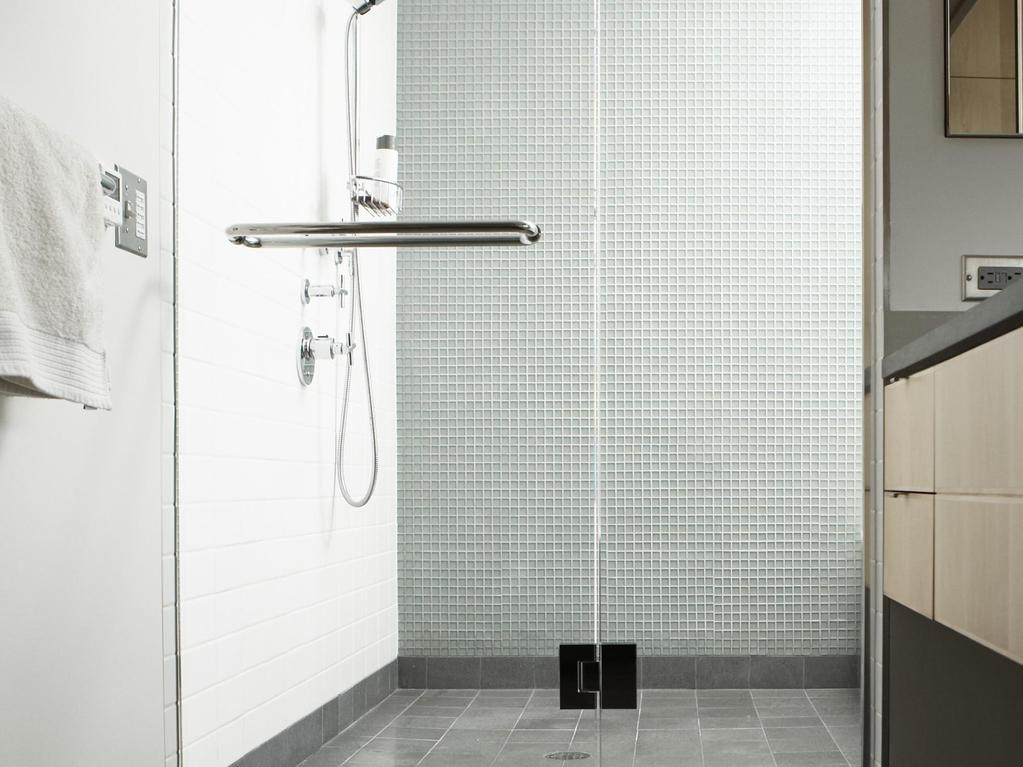 Quel rev tement de sol installer dans une douche l 39 italienne for Installer une douche italienne