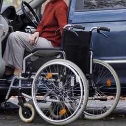fauteuil roulant le sujet d crypt la loupe. Black Bedroom Furniture Sets. Home Design Ideas