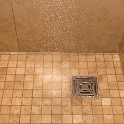 Pompe d'évacuation de douche