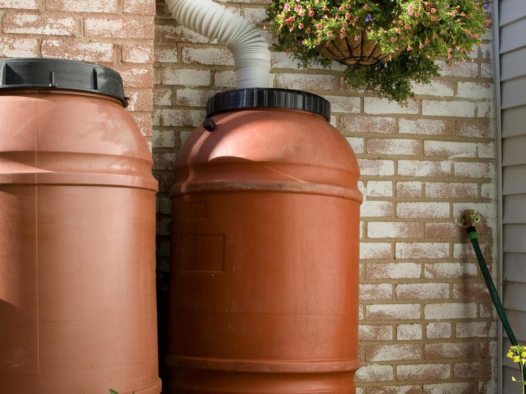 R cup rateur d 39 eau de pluie choisir un mod le r sistant l 39 hiver - Reservoir eau de pluie ...