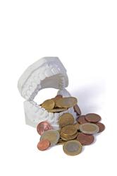 Moule en plastique et pièces de monnaie