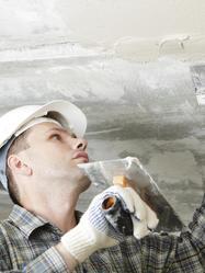La rénovation d'un plafond s'entreprend comme celle d'un mur.