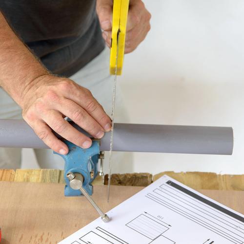 Réparer une fuite sur un tuyau en PVC