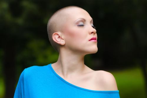 Comment poussent les cheveux apres une chimiotherapie