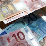 Billets de 10 et 50 euros