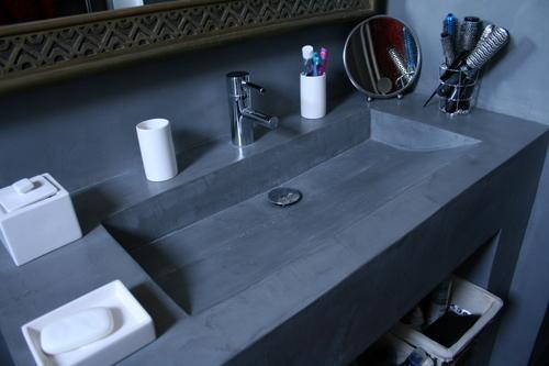 Photo guide de la salle de bain lavabo en b ton - Deboucher lavabo salle de bain ...